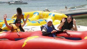 Rolling Donut Ride Tanjung Benoa Beach