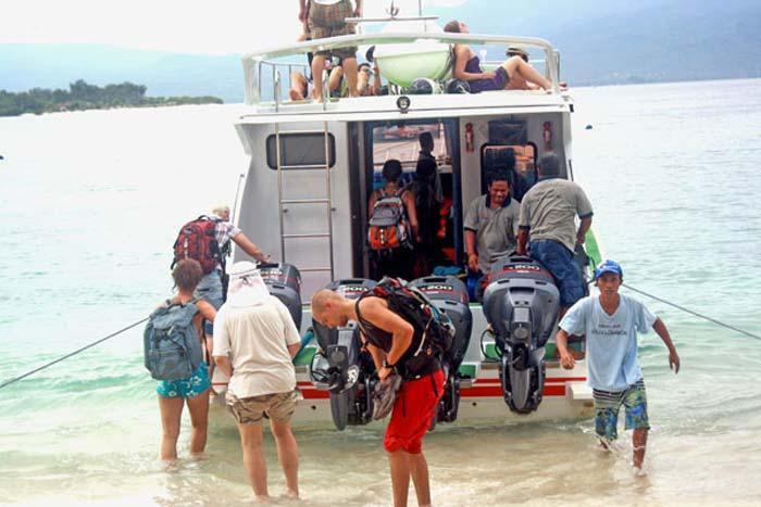gili trawangan wahana fast boat load