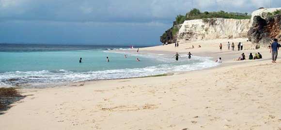 Dreamland Beach Uluwatu Bali