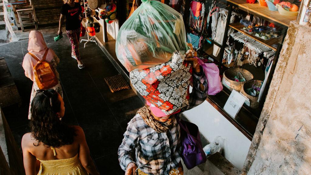 Souvenir Shop Towards Suluban Beach Bali