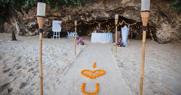 Cave Dinner Samabe Bali