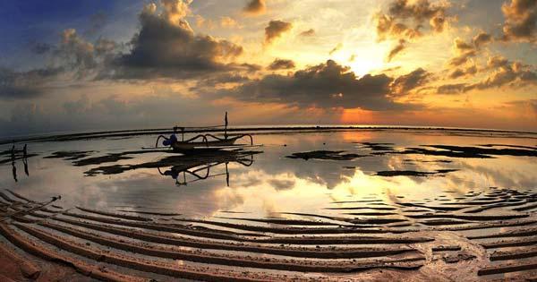 Matahari Terbit Beach Sanur - Ten Reasons Make Sanur Bali Attractive Kids Holiday Destination