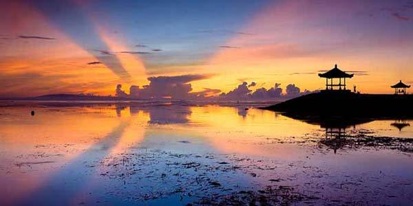 Matahari Terbit Beach Sanur