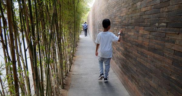 Stroll along Jalan Kayu Aya Seminyak