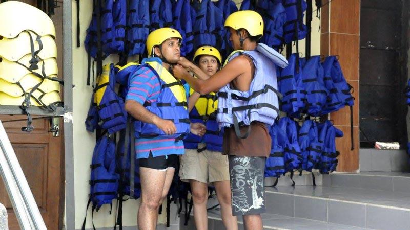 Bakas Rafting Getting Ready